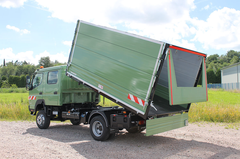 Allrad Fahrzeug mit Schoon Kipper, Alu Bordwände, aufgestetzte Bordwände, Gitter Dach perfekt für die Forstwirtschaft (1)