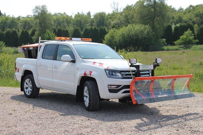 Amarok V6 mit Schoon Winterdienst, Schneeschild, Streuer, Blitzbalken, Stirnwandgitter