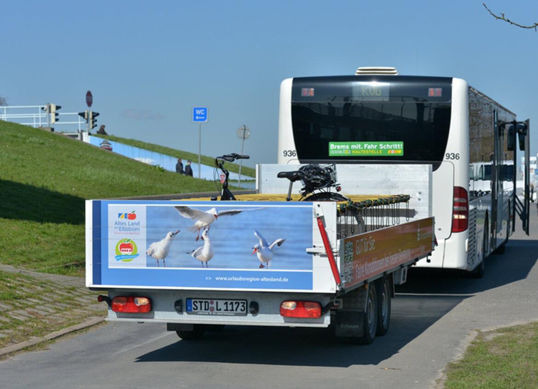 Elbe Radwanderbus mit dem Schoon Fahrradanhänger (2)