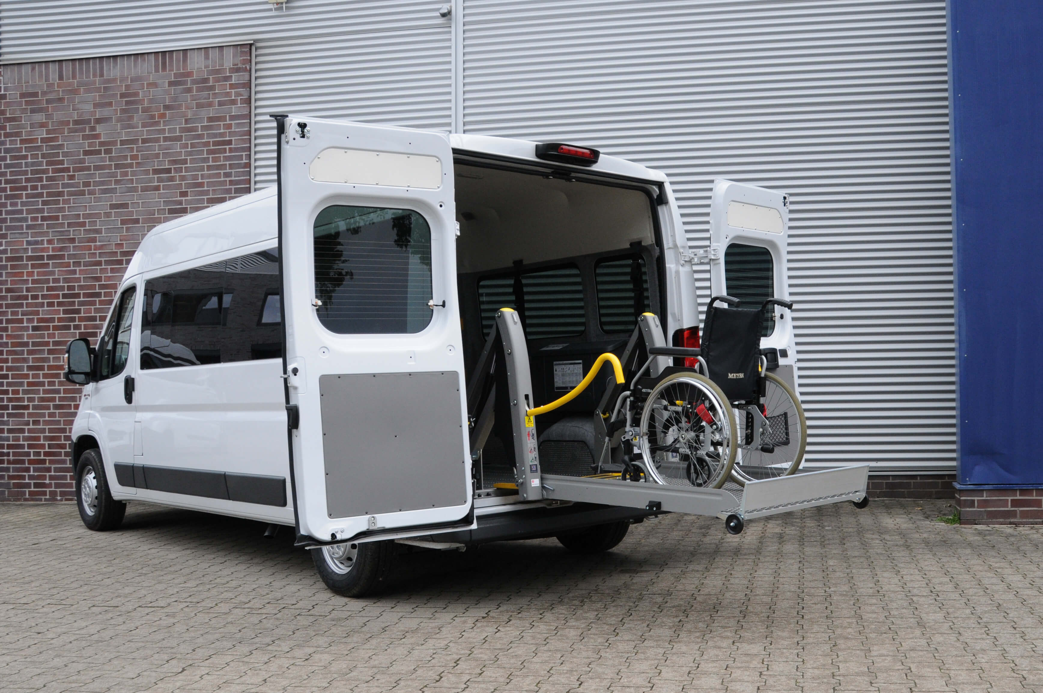 Fiat Ducato mit Linearlift (1)