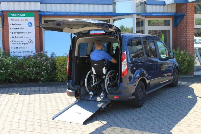 Ford Transit Connect mit Schoon Heckausschnitt (6)