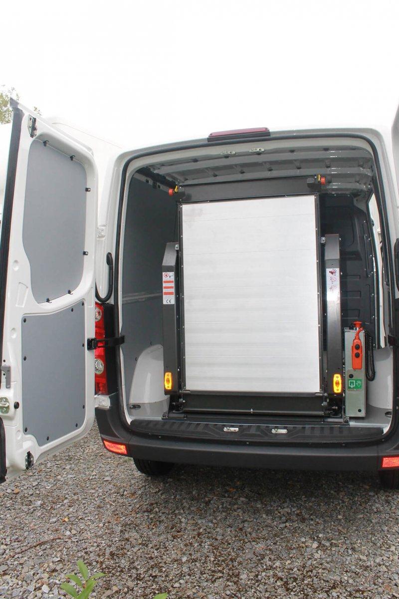 Kastenwagen Mit Schoon Easy Clean Und Linearlift (1)