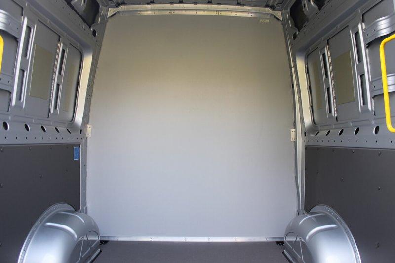 Kastenwagen Mit Schoon Trennwand Und Sitzsysteme Sitzreihe (2)