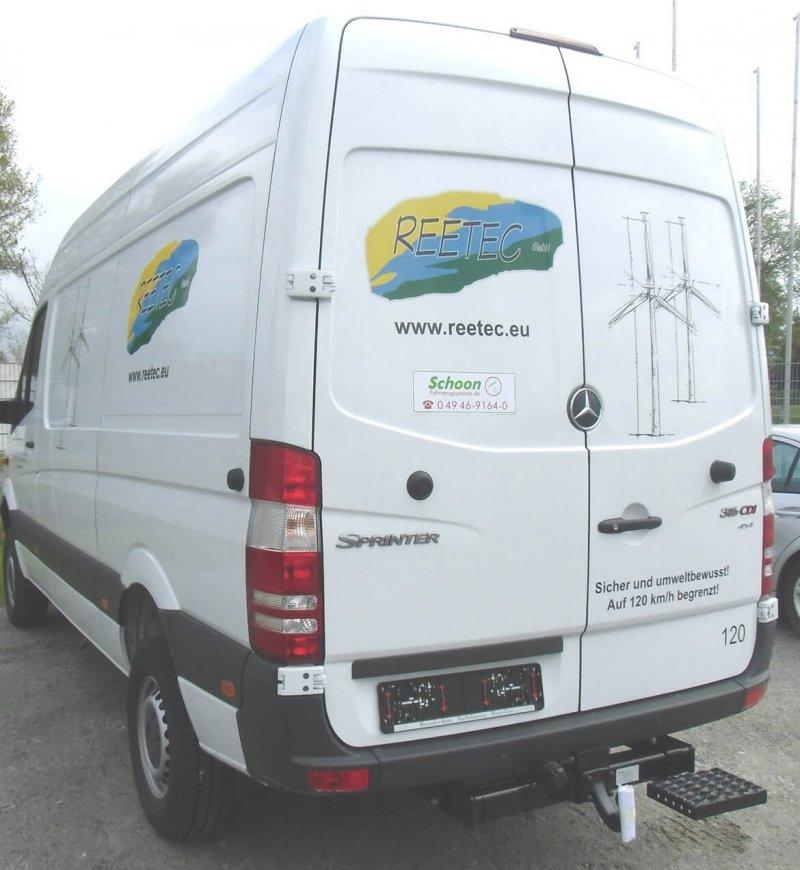 Kastenwagen Mit Einseitigem Tritt Für Fahrzeuge Mit Und Ohne Anhängekupplung