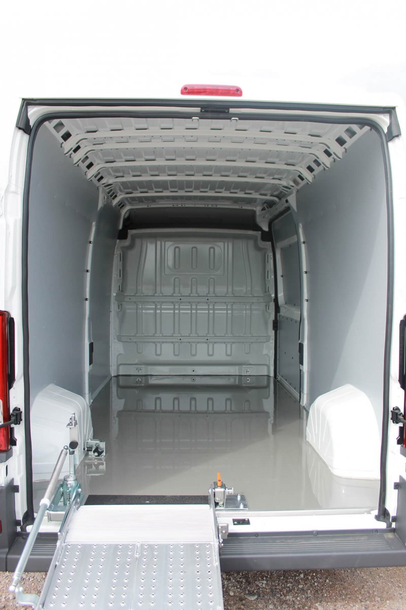 Laderampe Citroen Mit Easy Clean Und BIG S Rampe (2)