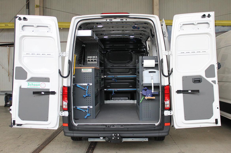 Maßgeschneidert Fahrzeuge für Elektriker mit Schoon Fahrzeugeinrichtung, Zurrleisten, Regale u.v.m.