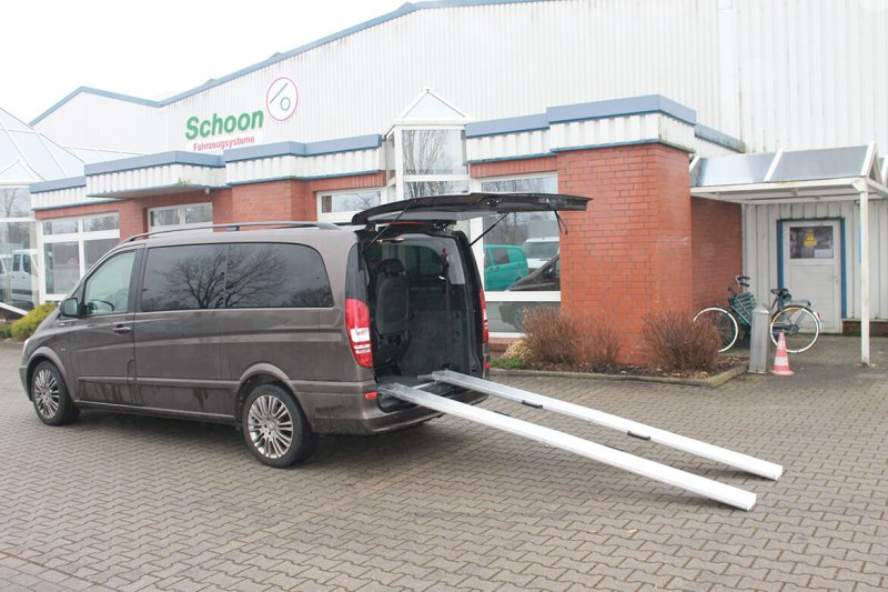 Mercedes Benz Vito Mit Schoon Rollstuhlschienen Typ Falt