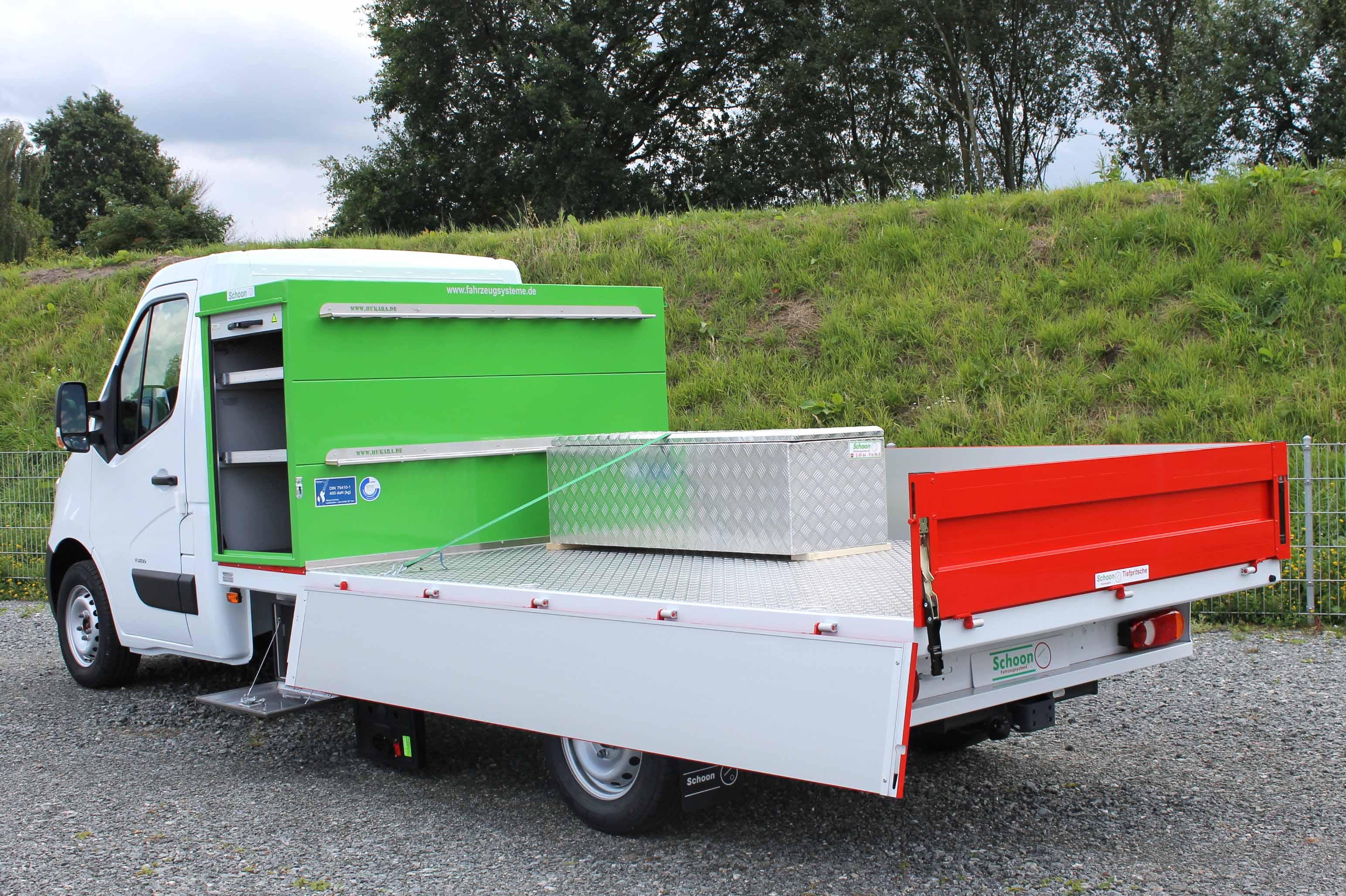 Opel Movano mit Schoon Tiefpritsche, Handwerkerbox, Lackierung