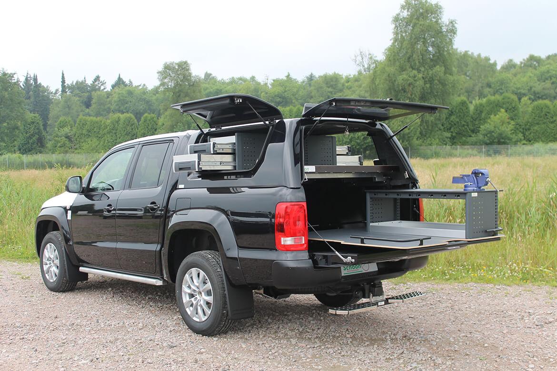 Pickup mit Schoon Hardtop, Regale, Ladefläche, Schraubstock für den Service vor Ort