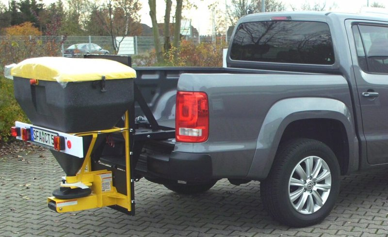 Pickup Mit Schoon Winterdienst, Streuer Ca. 250 Liter Volumen