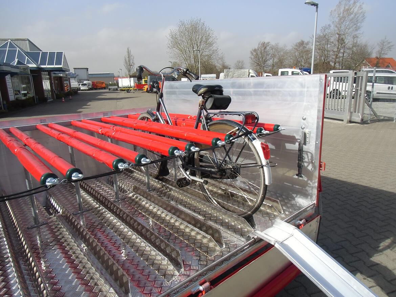 Radreisen Rügen mit dem Schoon Fahrradanhänger mit faltbarer Alu Rampefür den Linienbusbetrieb RADzfatz (1)
