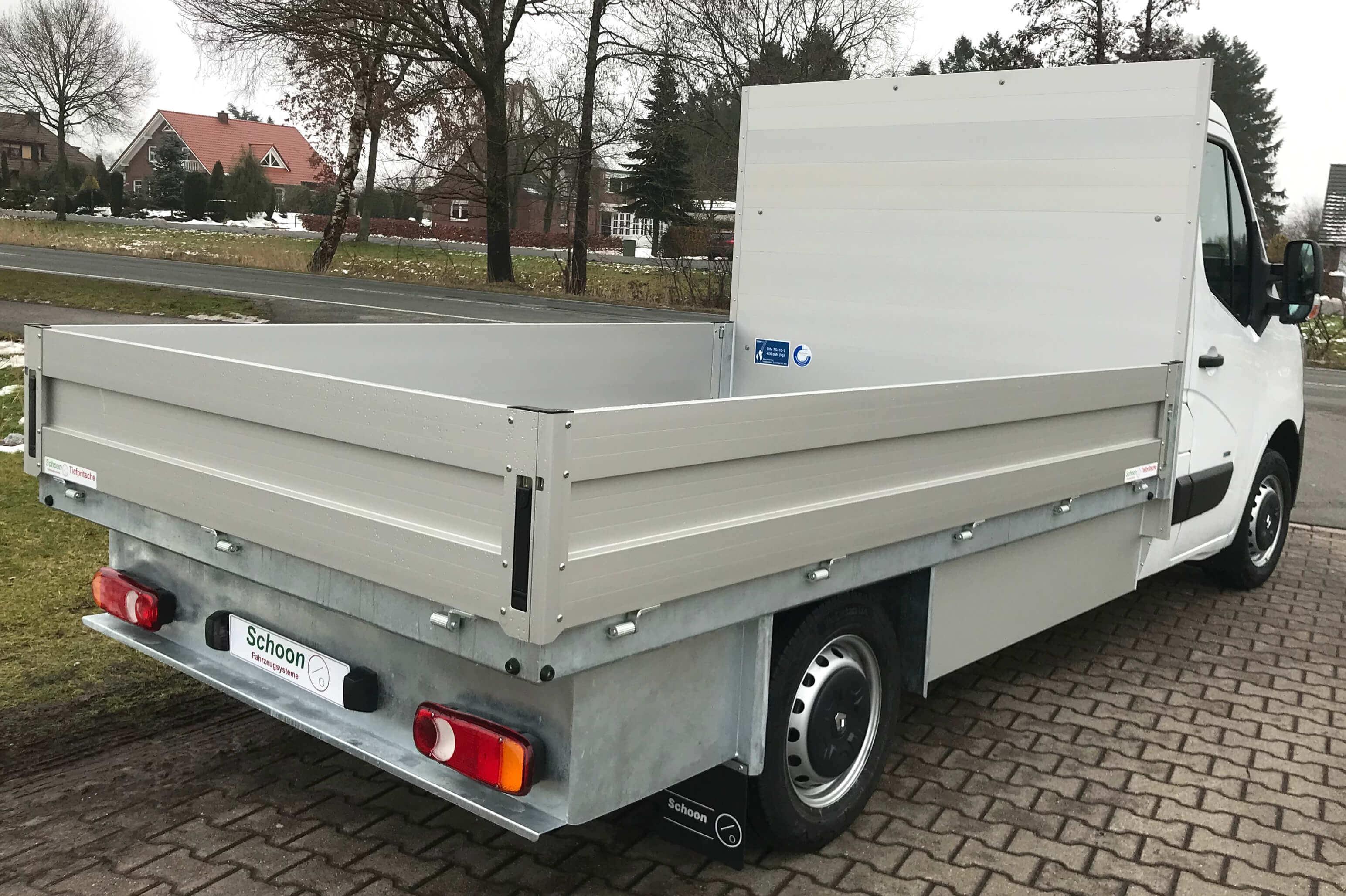 Renault Master ZE Elektro mit Schoon Pritsche Plattformfahrgestell