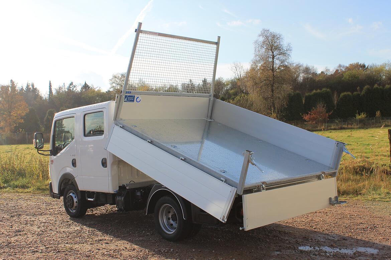 Renault Trucks Maxity mit Schoon Kipper, Stirnwandgitter und Werkzeugbox (1)