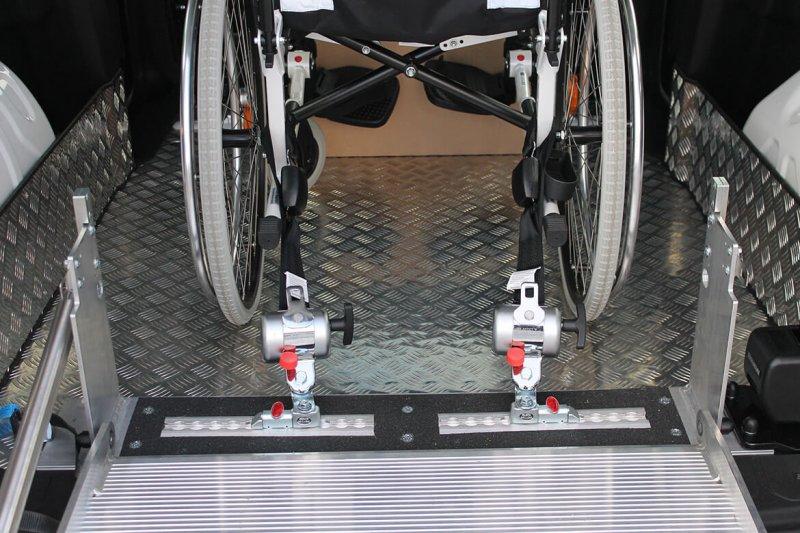 Rollstuhlhaltesystem Hinten Fixiert