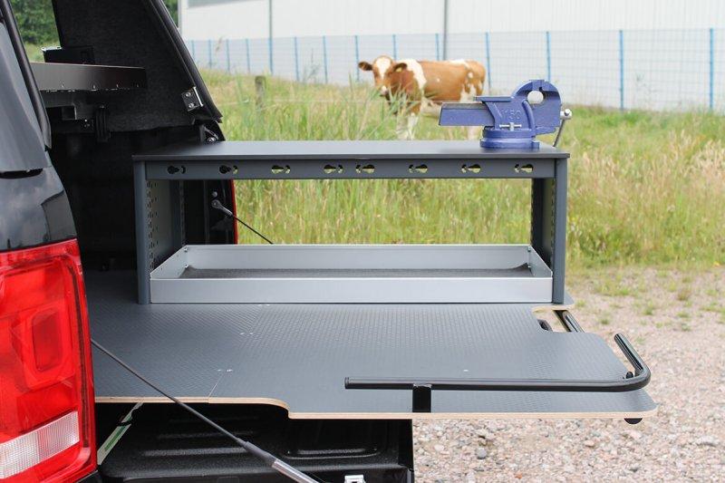 Schoon Ausziehbare Ladefläche Mit Werkbank Und Schraubstock (2)