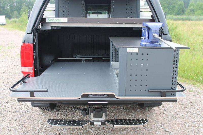Schoon Ausziehbare Ladefläche Mit Werkbank Und Schraubstock (3)