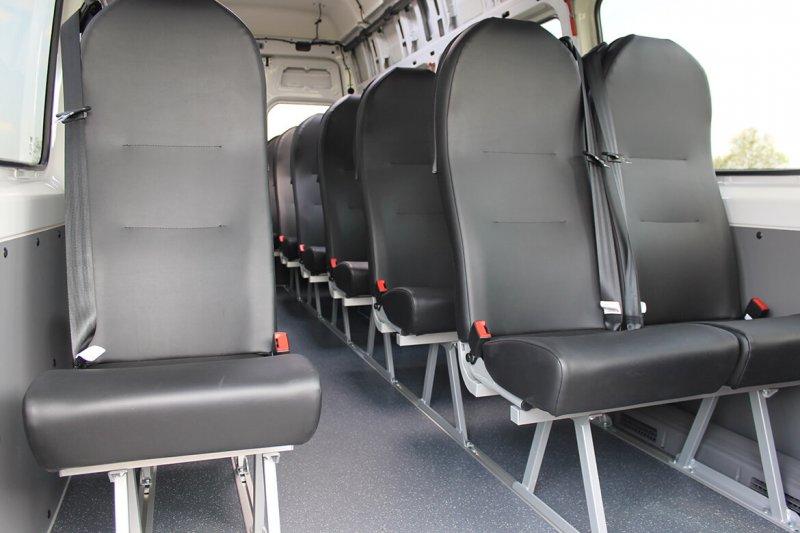 Schoon Busumbau Mit Einzelsitzen Und Doppelsitzen Mit Kunstlederbezug