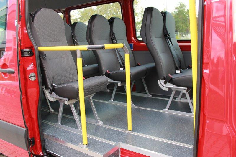 Schoon Busumbau Mit Einzelsitzen Und Doppelsitzen Mit Stoffbezug