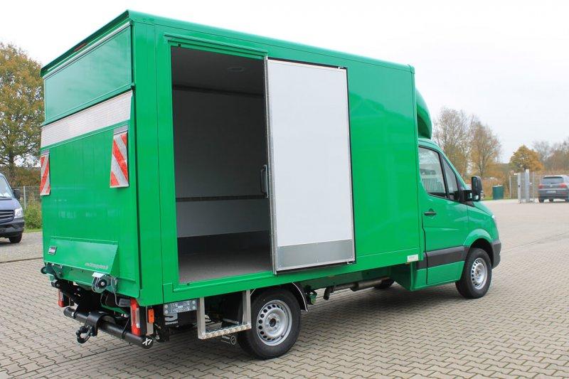 Schoon Einstieg Für Die Seitentür Im Kofferaufbau
