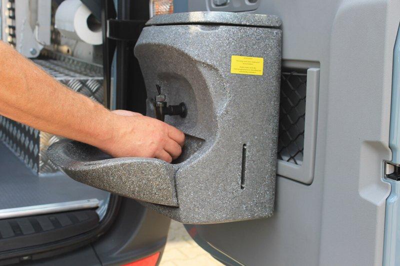 Schoon Fahrzeugeinrichtung Mit Waschbecken, Wasserkanister, Papierrollenhalterung