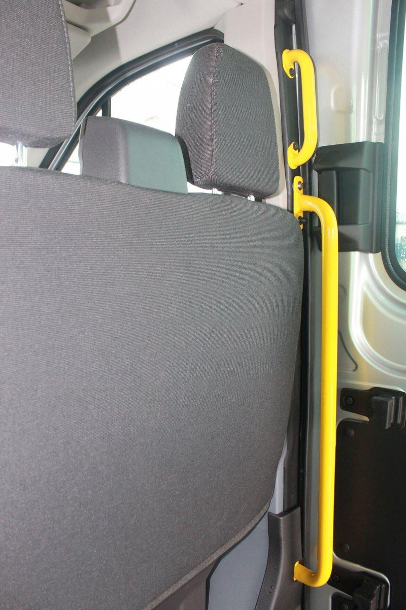 Schoon Haltegriffe Unterstützen Den Sicheren Einstieg Ins Fahrzeug (2)