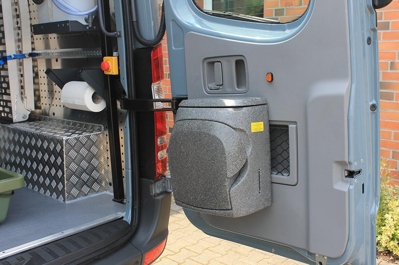 Schoon Jägerfahrzeug mit Regale, Hundegitter, Waschbecken, Wasserkanister, Rampen, Sitzsysteme, Seilwinde (3)