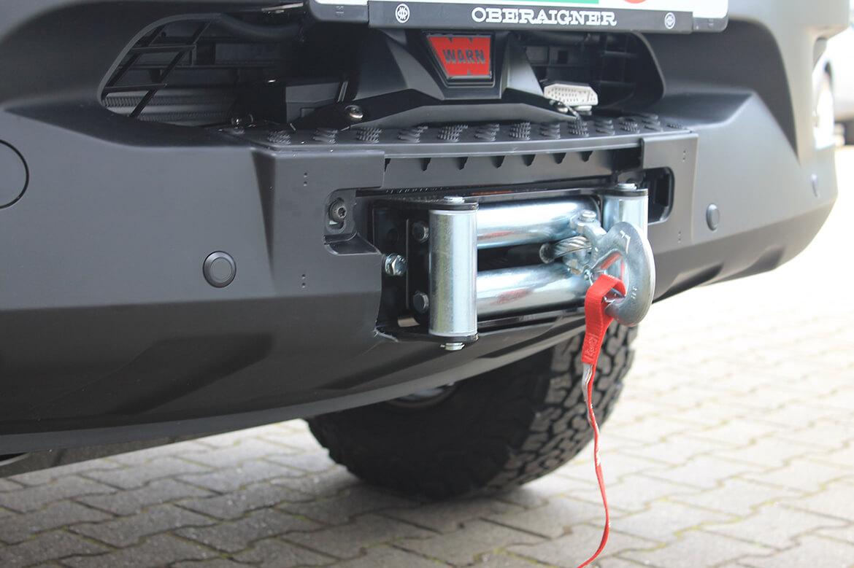 Schoon Jägerfahrzeug mit Regale, Hundegitter, Waschbecken, Wasserkanister, Rampen, Sitzsysteme, Seilwinde (8)