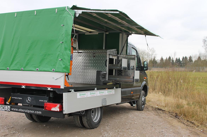 Schoon Jagd & Forst Offroad Planenaufbau mit Aufstellklappen, FSK Kran, Werkzeugkiste und Waschbecken (2)(1)