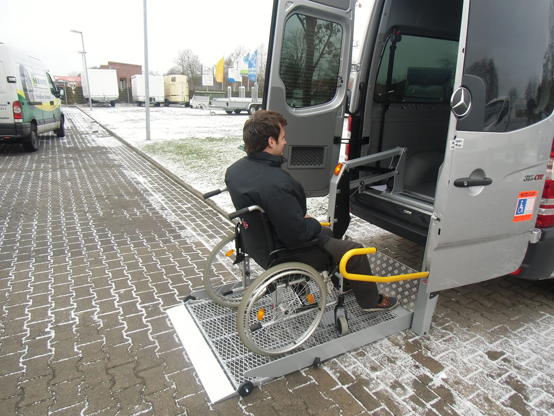 Schoon KMP Reha Ausbau mit Linearlift (3)