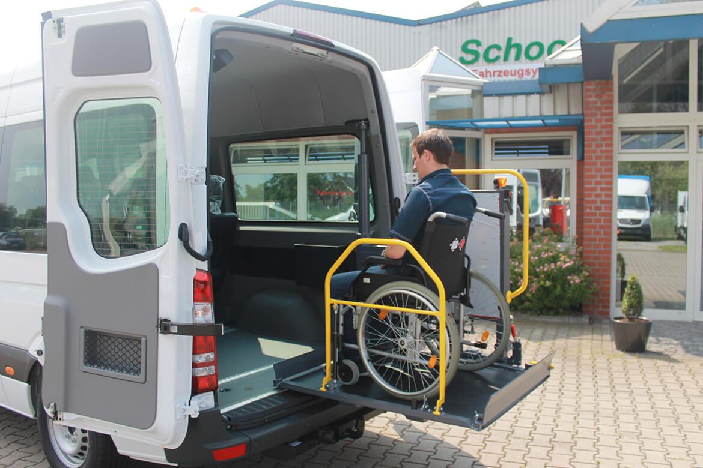 Schoon KMP Reha Ausbau mit Schwenklift (2)