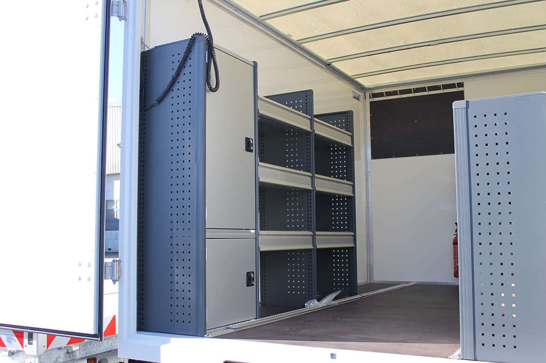 Schoon Koffer mit Fahrzeugeinrichtung, Dachspoiler (3)