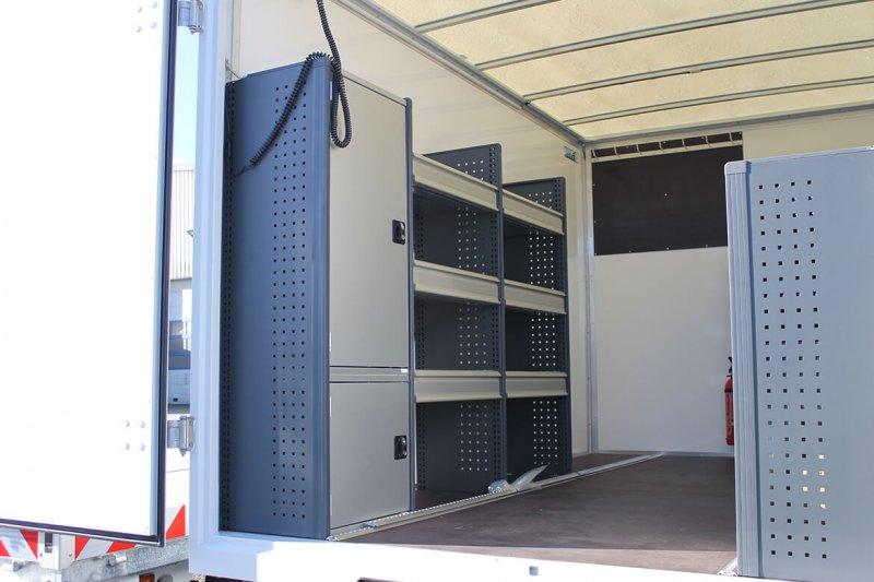 Schoon Koffer Mit Fahrzeugeinrichtung Für Die Windbranche (2)