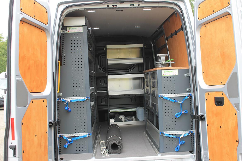 Schoon Pannenfahrzeug mit Fahrzeugeinrichtung, Beschriftung, Leuchtbalken, Trittstufe u.v.m (2)