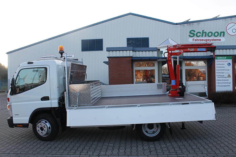Schoon Pritsche mit Kranaufbau Maxilift 230