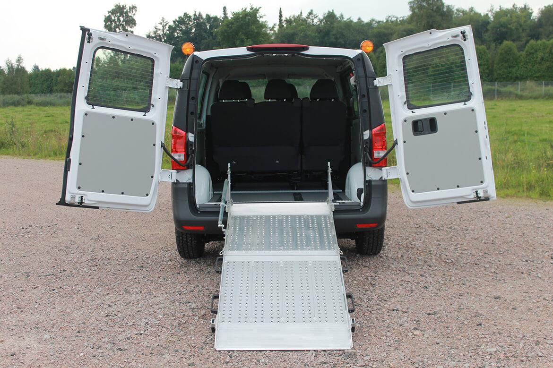 Schoon Rollstuhlrampe für Taxiunternehmen