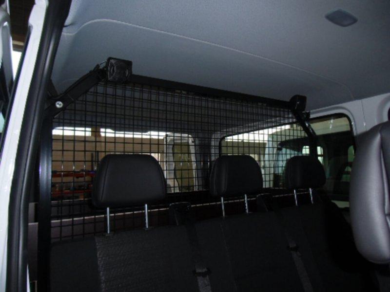 Schoon Trenngitter Im Mannschaftstransportfahrzeug