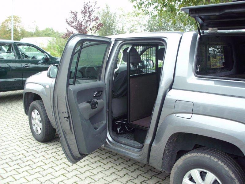Schoon Trenngitter Im Pickup (2)