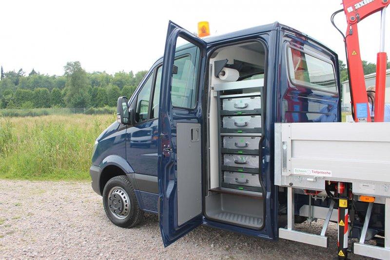 Schoon Trennwand In Einer Fahrerdoppelkabine Für Mehr Stauraum Für Regalsysteme