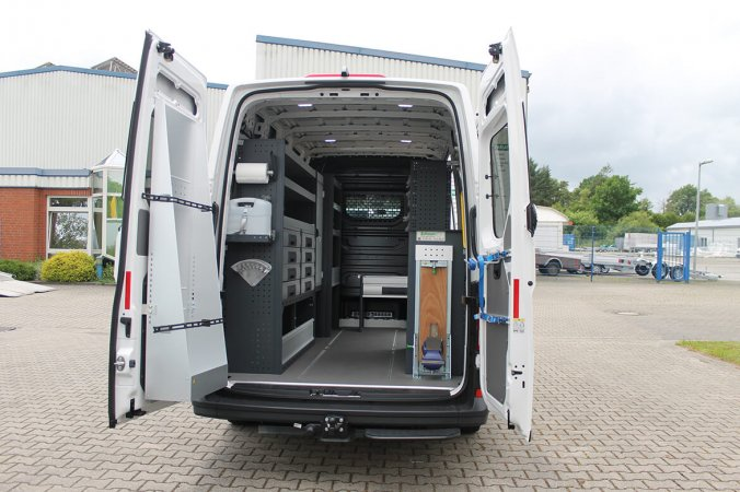 Schoonn Fahrzeugeinrichtung mit Schrank und Schubladensystem, Schraubstock usw für die Energiewirtschaft