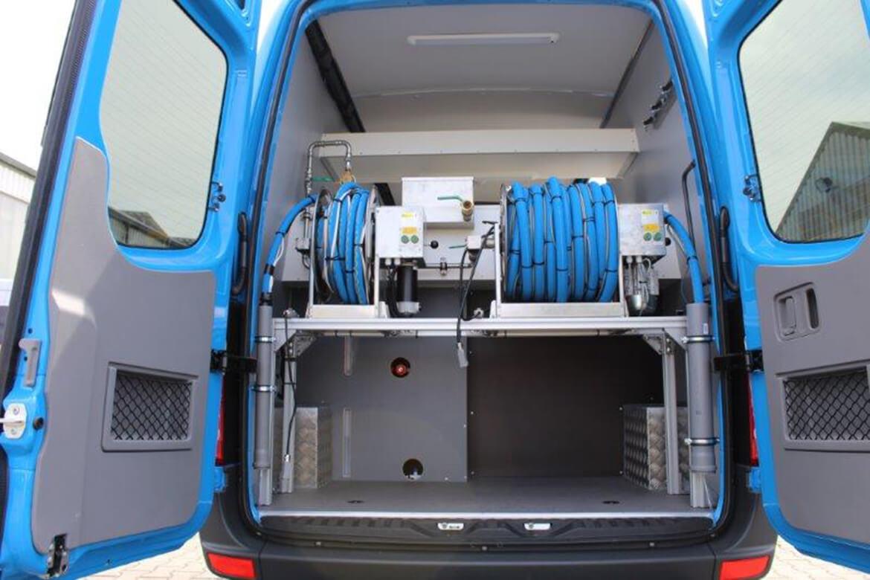 Sonderprojekt Innenausbau Laborfahrzeug zur Entnahme von Gewässerproben (1)