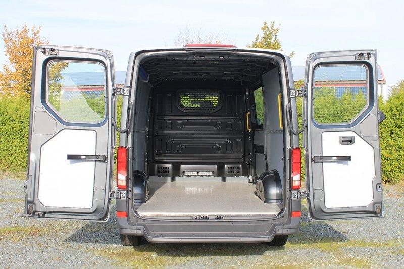 VW Crafter (MAN TGE) Mit Schoon Easy Clean, Boden Besandet, Seitenwandverkleidung, Zurrleisten, Haltegriff