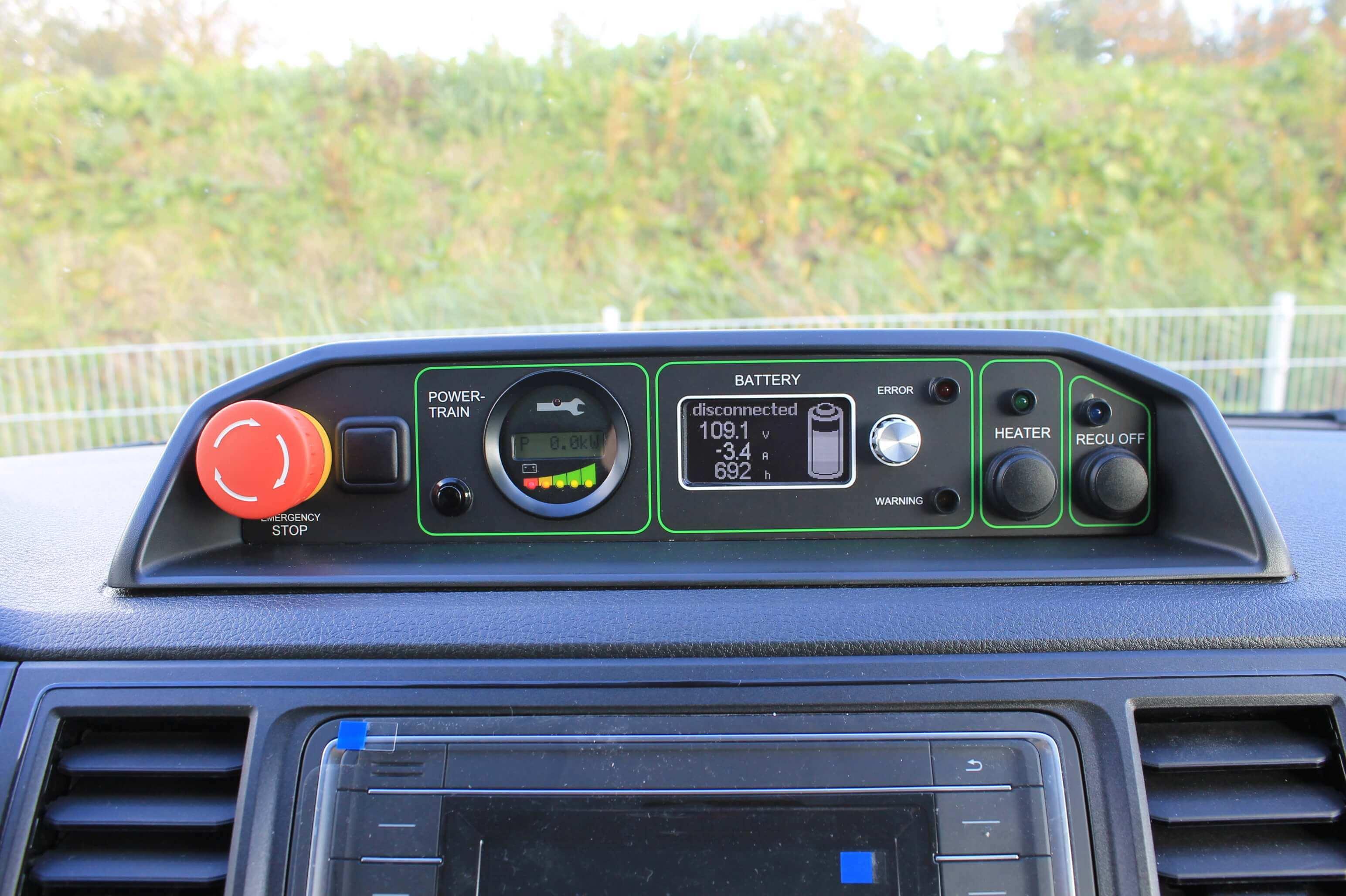 VW T6 Elektro mit Leichtbau Koffer, Schiebetüren, Innenbeleuchtung, Dachspoiler, AB1901318 (26)
