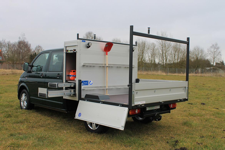 Volkswagen Nutzfahrzeuge Tranporter mit Schoon Tiefpritsche, Werkzeug und Gerätekasten, Heckauflagegestell, Schaufelhalter