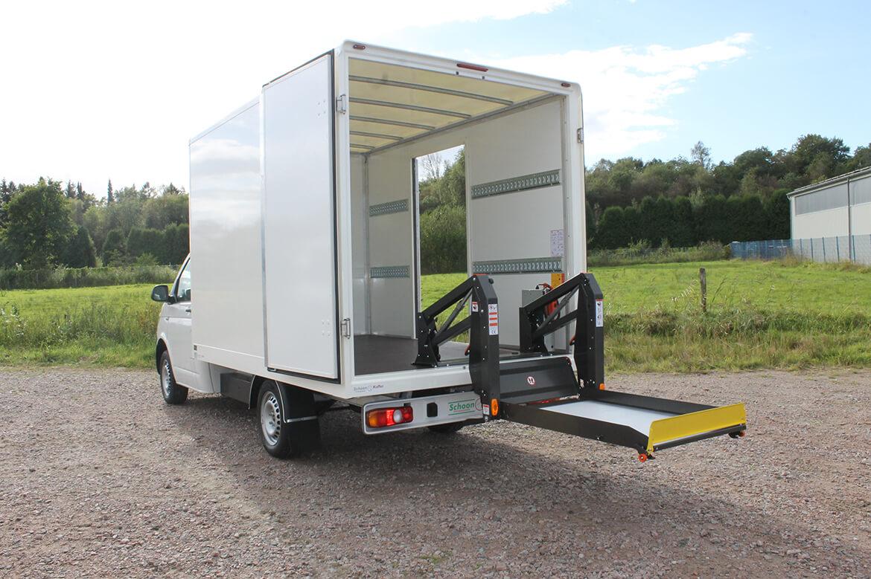 Volkswagen Nutzfahrzeuge Transporter mit Schoon Koffer , Seitentür, Zurrleisten, Linearlift
