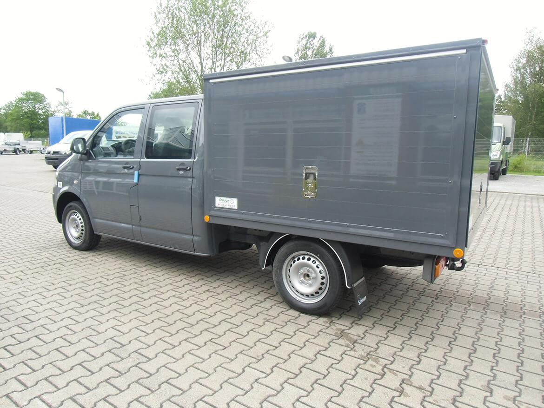 Volkswagen Nutzfahrzeuge Transporter mit Schoon Kofferaufbau für einen Hufschmied mit Verkaufsklappen (2)
