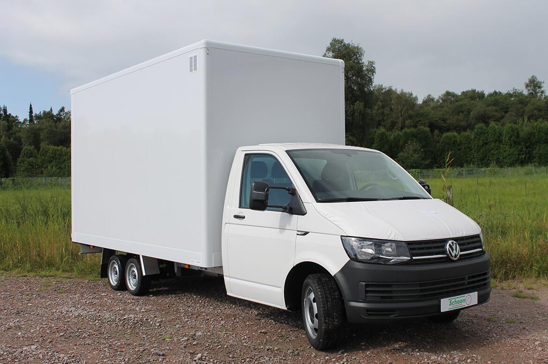 Volkswagen Transporter Zugkopf mit AL KO Chassis und Schoon Kofferaufbau mit einer Laderampe, Laderaumbeleuchtung (1)