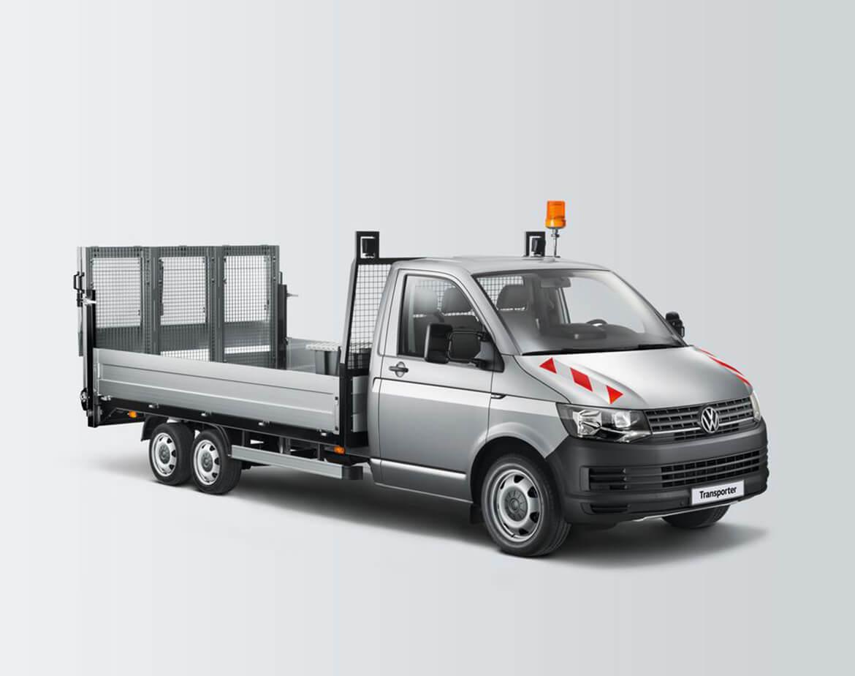 Volkswagen Transporter Zugkopf mit AL KO Chassis und Schoon Pritsche, Werkzeugkiste, Rampe, Stirnwandgitter, RKL, Arbeitsscheinwerfer, Universaltransporter Easy Lo (3)