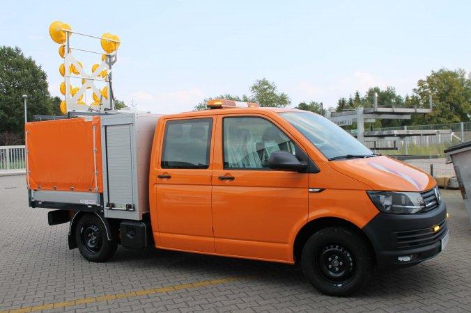 Volkswagen Transporter mit Schoon Pritsche, Plane, Werkzeug und Gerätekasten, Blitzleuchten, Warnblinkanlage