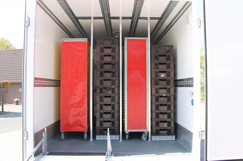 Volkswagen Transporter mit Tiefrahmen Chassis und Schoon Koffer für Backwarentranport oder Blumen (1)