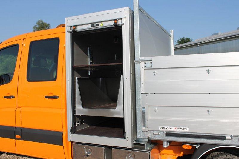 Werkzeug Und Gerätekasten Mit Schwerlastauszug Als Schublade